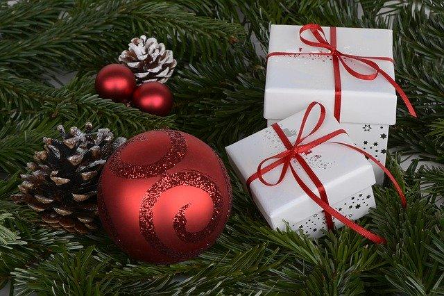 Bestel een kerstpakket naar keuze online